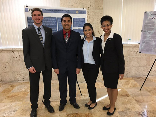 Four FIU students present at the FIU Honors College Board of Directors Research Event