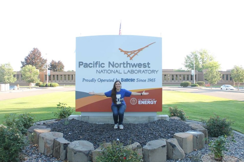 Silvina Di Pietro, chemistry graduate student, at her internship at the Pacific Northwest National Laboratory.